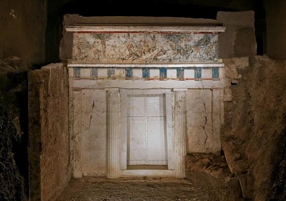 8 Νοεμβρίου 1977. Ανακαλύπτονται οι ασύλητοι βασιλικοί τάφοι της ... d44c61653e9
